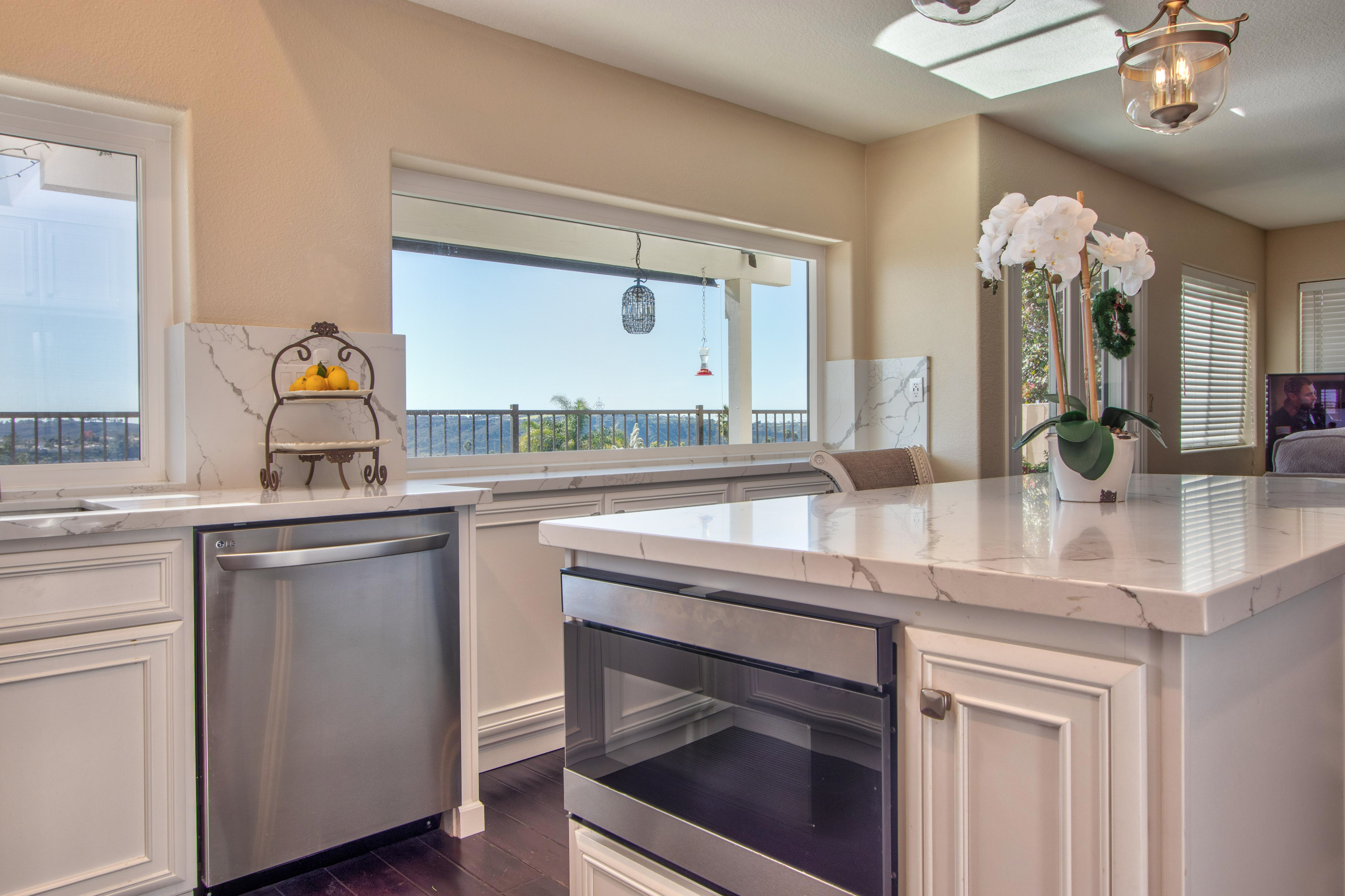 Carlsbad-Cabinet-Refacing-Project-16